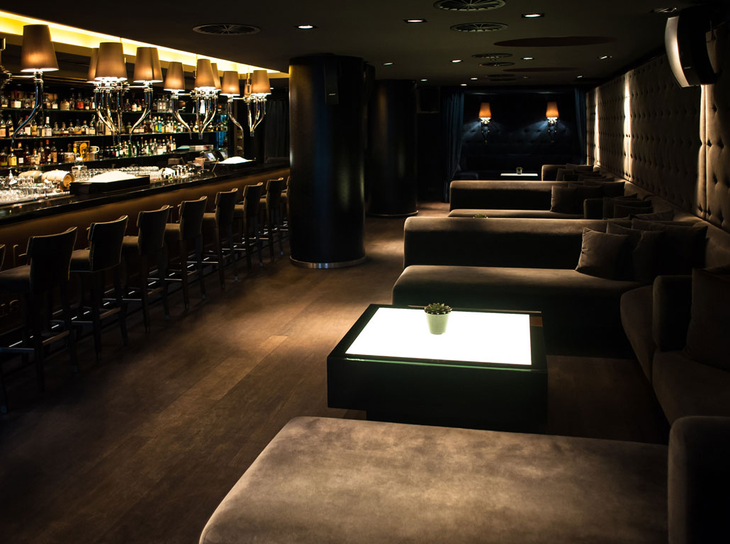 Single bars in frankfurt am main