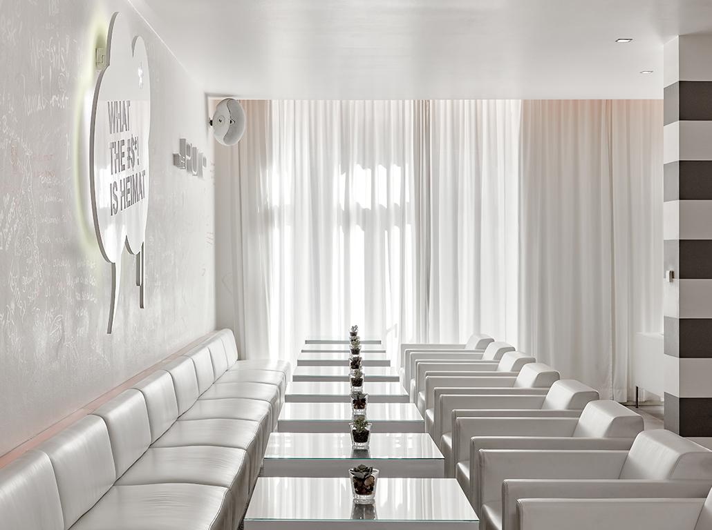 thepure-frankfurt-livingroom-01